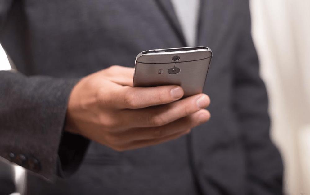La ville de Denver envisage le vote par smartphone grâce à une application basée sur la blockchain. Source de l'image: Pixabay.