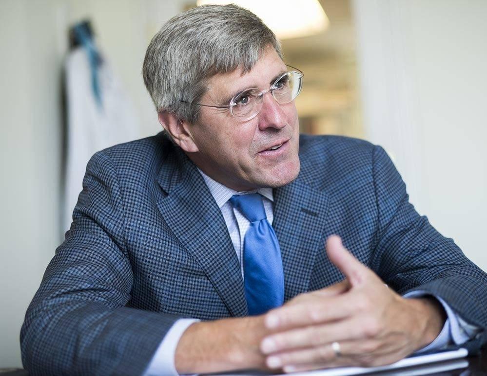 La cryptomonnaie de l'ex-candidat à la Fed, soutenu par Trump, déstabilisera-t-elle la banque centrale américaine ?
