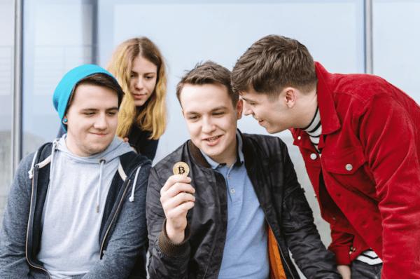 Les millennials plébiscitent le Bitcoin