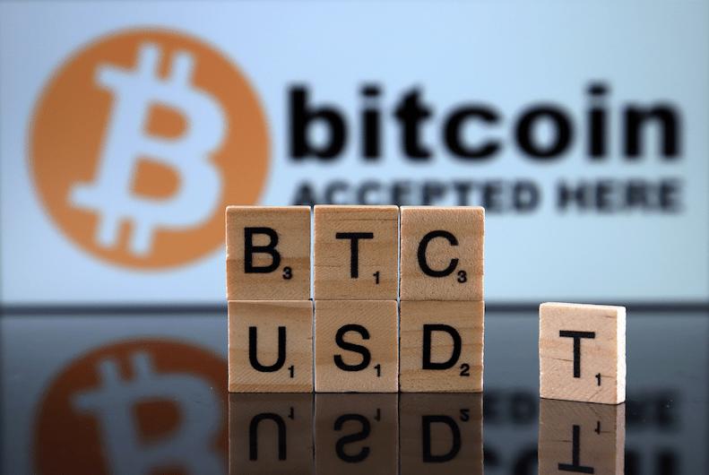 Stablecoin vs Bitcoin – Vaut-il mieux être stable ou décentralisé ?